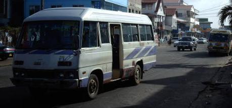 Busje van de Particuliere Lijnbus Organisatie
